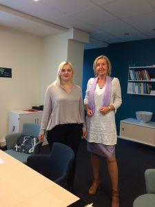 SVEA:s ordförande Julia Lindh och Lena Adamson