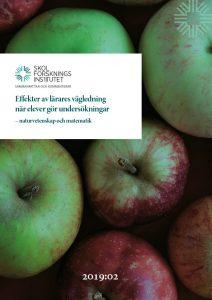 Omslag till Sammanfattar och kommenterar: Effekter av lärares vägledning när elever gör undersökningar – naturvetenskap och matematik